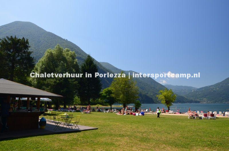 Strand Panana beach Porlezza aan Luganomeer